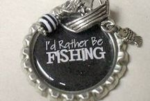 ✄ CRAFTS: Bottle Cap Crafts / by Carla Meisberger Vaught