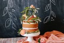 Rustic & Country Wedding Cakes / by Missy Valderrama