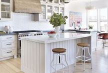 KITCHEN: WHITE