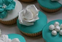 I love to bake / by Myra White