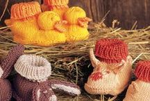 Baby Knitting Patterns / Baby hats, baby blankets, and knitted booties, oh my! Our collection of knitting patterns for babies.