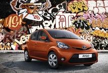 Toyota Aygo / Nowoczesny styl Aygo sprawia, że jest to samochód stworzony do jazdy w miejskiej dżungli. To niewielkie, dynamiczne auto z charketerem zapewni Ci świetną zabawę podczas jazdy.