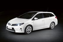 Toyota Auris Touring Sports / Pierwsze kombi dostępne jako hybryda!  Podczas Salonu Motoryzacyjnego w Paryżu debiutuje nowa wersja nadwoziowa zupełnie nowej Toyoty Auris – Touring Sports! Jest to pierwsze i jedyne kombi w segmencie C z możliwością wyboru napędu hybrydowego!