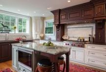 Traditional Kitchens / Our favorite traditional, French Country and Cottage style kitchen cabinets.