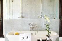 Bathrooms / by Lynne Nero