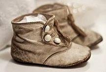Historian havinaa... / Historiallisia pukuja, kenkiä yms.