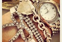 A Fashionista's Accesories / by Julie Alfonso