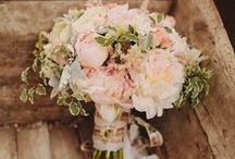 Vintage Wedding Ideas / by Carly Duvall