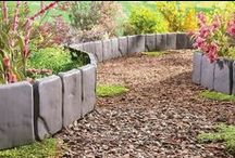 Garden Edging Ideas / Use these garden edging ideas to lend character, definition, and texture to your landscaping beds.