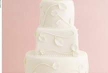 wedding cakes:)<3 / by Carli Rodriguez