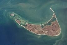 Nantucket / So many reasons to love Nantucket. Check out the full Fathom guide: http://shar.es/VkaC3