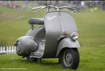 Vespas in Grey / Grau