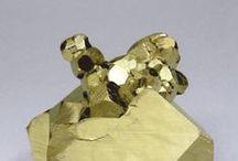 Piedras y Minerales / Minerales, rocas y cosas brillantes / by Aimee Nuñez