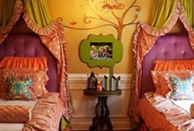 Our Home: Bedrooms for Two Girls / The cutest ideas for bedrooms shared by two girls with two twin beds.