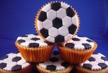 Voetbal Recepten en Ideetjes / Allerlei recepten en ideeën voor een voetbal feestje. | Voetbal | Europa Cup | Wereld Cup | EK | WK | FIFA | UEFA | Recepten | Knutselen | Feestje | Traktatie | Thema | DIY | Verjaardag | Versiering