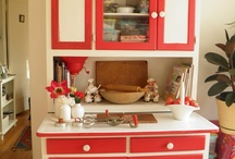 Red And White Vintage Kitchen / The Kitschy Collectors favorites in vintage and retro red and white collectibles.  Visit my blog http://cdiannezweig.blogspot.com/ and my site http://iantiqueonline.ning.com/