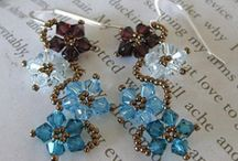 Crafts - Jewelry - Bead weaving Earrings / by Woaikonglong
