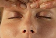 Acupressure, massage and other self-help for your body / We can make much to get and maintain a good health