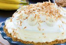 Lets Bake / by Cierra Popove