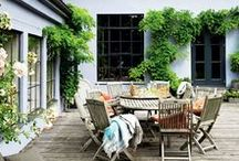Terraces / Create a dreamy open-air retreat on your terrace with green plants, cozy lighting and modern terrace furniture. Find inspiring outdoor decorating ideas for your terrace here.