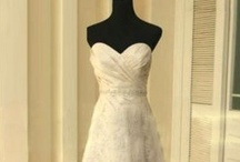 WEDDING POSE'S - BRIDES DRESS
