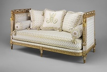 Settee Antique, Classic & Traditional / Antique, Classic and Traditional Sofas and Daybeds
