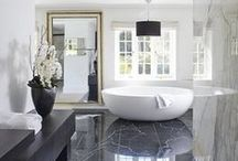 Bathrooms / Bathrooms with beautiful lighting, modern furniture and a feeling of retreat and wellbeing. Explore design ideas for your dream bathroom here.