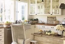 Kitchens / by Kathy Bernsen