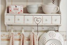 Decoration Adoration / I love décor, simple but beautiful.  A little bit of country, a lot of home.