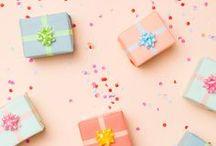 * gift wrap // geschenkpapier / gift wrap // wrapping paper // giving // geschenkpapier
