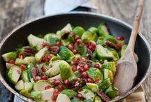 Foooooood / Tasty vegan and vegetarian meals / by Karina Graj