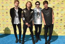 5 seconds of summer / 4 Aussies