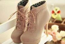 Shoes Shoes Shoes / by Danielle Langdon