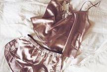 Clothes (╭ರᴥ•́)