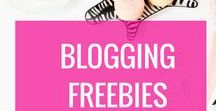 Blogging Freebies & Free Resources / Blogging freebies, freebies for blogs, clipart, free logos, free gold foil, free printables, printables, free blog planners, giveaways