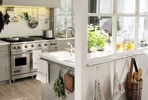 Kitchy Kitchens + Dinings / Kitchens & Dining rooms plus all the accessories that i love <3