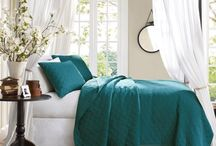 Bedrooms / by Stephanie Lepage