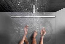 Douches • Geberit / Inloopdouches zijn helemaal in. Ze zijn discreet en maken een logische indeling van de kamer mogelijk. Aantrekkelijk design, hoge afvoercapaciteit en de beproefde, hydraulisch geoptimaliseerde afvoertechniek zijn kenmerkend voor alle oplossingen die Geberit voor de afwatering van douches aanbiedt | www.geberit.nl | sanitair | toilet | badkamer | functioneel | design | interieur | interieurdesign | interiordesign
