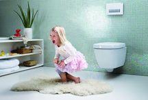 • Kindvriendelijke badkamer / Inspiratie voor kindvriendelijke badkamers, leuke decoratie en handige producten voor kids in de badkamer | www.geberit.nl | www.sphinx.nl | sanitair | toilet | badkamer | inspiratie | badkamerinspiratie | kinderen | kids | functioneel | design | interieur | interieurdesign | interiordesign