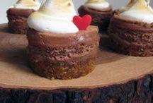 Desserts / by Dawna Bennett