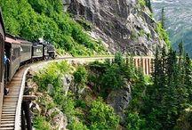 En train / Se laisser entraîner dans les paysages défilant au travers d'une vitre. La beauté d'un voyage en train.
