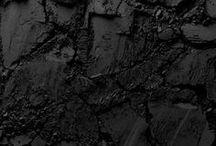 ✘ Back in black / Les plus belles photographies uniquement teintées de noir // Best photographs exclusively black-coloured