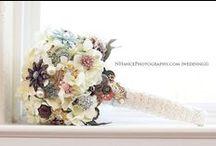 Bridal Bouquet with brooches (bruidsboeket met broches) / Bruidsboeket gemaakt van broches (om eventueel zelf te maken). / by Wedspiration - leuke ideeen voor je bruiloft