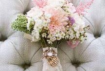 Bridal bouquet - bruidsboeket / Inspiratie voor jouw bruidsboeket.  / by Wedspiration - leuke ideeen voor je bruiloft