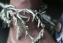 Wrist corsage - polscorsages / Prachtige corsage om je pols! / by Wedspiration - leuke ideeen voor je bruiloft