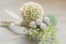 Boutonniers - corsages / Inspiratie voor het vinden van een mooie corsage bij het bruidsboeket! / by Wedspiration - leuke ideeen voor je bruiloft