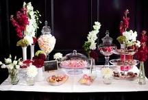 Wedding dessert tables - dessert tables voor bruiloft / I love dessert tables. Maak er ook een zoet feest van op jullie bruiloft.  / by Wedspiration - leuke ideeen voor je bruiloft