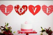 Wedding theme: Valentine! - Bruiloft thema: Valentijn! / Happy Valentine! De leuste dag in het jaar VALENTIJNSDAG om je geliefde te verrassing. Of je nu verliefd, verloofd of getrouwd bent ... verras elkaar met iets liefs/kleins. Rood is de valentijnskleur en die kun je goed terug laten komen op een bruiloft. Onze inspiratie voor jou! / by Wedspiration - leuke ideeen voor je bruiloft