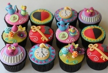 Cute and Clever Cupcakes & Cake Pops / A collection of cute, clever and very creative cupcakes and Cake Pops!