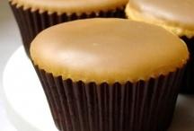 Cupcakes! / by Hannah Fulton